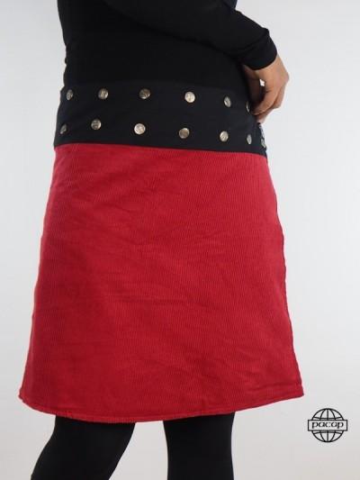 jupe rouge en velours grande taille avec des boutons metals