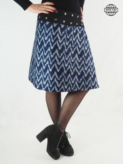 jupe bleue a motif zigzag