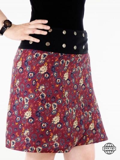 jupe liberty rouge ceinture bouton pression avec des talons