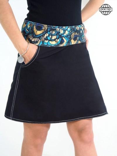 Édition Limitée, Jupe Impression Digitale Motif Animalier Plumes de Paon En Jean Bleu et Coton Noir avec Poches