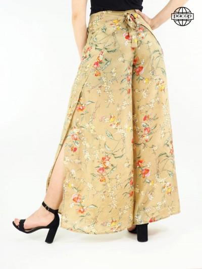 Pantalon femme, pantalon d'été, pantalon beige, pantalon ample, pantalon à nouer, pantalon fendu.